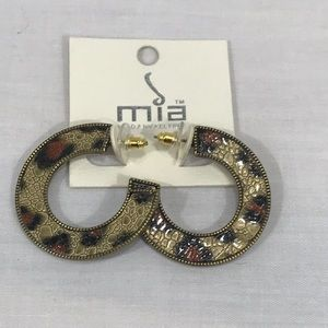 Mia NWT Animal Print Lead & Nickel Free Earrings